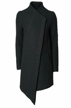 Women's black overlapping asymmetrical front wool coat from the Thom/Krom collection. Dark Fashion, Mens Fashion, Fashion Outfits, Asymmetrical Coat, Post Apocalyptic Fashion, Cyberpunk Fashion, Future Fashion, Character Outfits, Dandy
