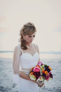 Wedding Poses, Wedding Day, Wedding Dresses, Blonde Hair, White Shorts, Curly Hair Styles, Roses, Wedding Photography, Bride