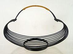 schöner großer 50er 60er OBSTKORB metall mit rattangriff string bertoia ära