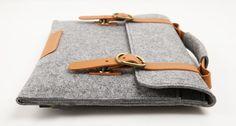 Macbook pro Macbook Sleeve Wool Felt Bag with Genuine Leather Handle for Macbook pro 17 Macbook Air, Macbook Sleeve, Leather Handle, Leather Bag, Felt Case, Notebook Case, Ipad Bag, Handmade Handbags, Leather Projects