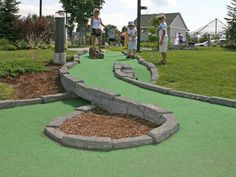 Photo gallery of mini golf courses across the states -- Miniature Golf Construction Company, LLC -- Miniature Golf Course Pictures