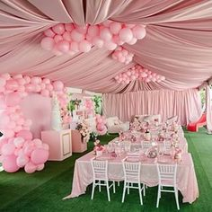Decor yang elegant How perfect is this? Olivias Kingdom What a gorgeous set up by our client for her baby girls birthday. A set up fit for a little princess. Girl Birthday Themes, Baby Girl Shower Themes, Girl Baby Shower Decorations, Baby Shower Princess, Baby Girl Birthday, 18th Birthday Party, Birthday Party Decorations, Baby Shower Parties, Kids Party Planner