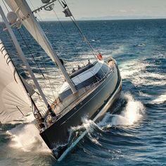Про Яхты Катера и Водно-Морские Развлечения! http://ProBoating.ru http://ift.tt/1MBsN44 http://ift.tt/1T5V9Kz #яхта #катер #лодка #море #хорошийдень #яхты #yacht #паруса #путешествие #романтика #ветер #вода #лето #отдых #рыбалка #интересное #sail #boat #sailing #proboating #boatporn #boating #yachting #yachtlife by proboating