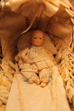 """NBpoupéesanciennes  handmade NBcréations blog """"trotinette-et-coccinelle""""antique bisque doll, parisiennes Gauthier Parian Celluloid doll house"""