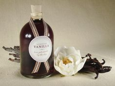 How to make your own #DIY vanilla extract!  It's easy.