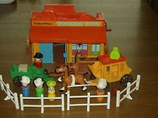 Vintage Fisher Price little people Western town 934 w/accessories