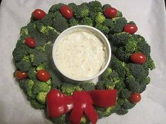 veggie tray with broccoli and tomatoes wreath