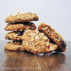 Smakocie i Łakołyki: Owsiane ciasteczka z orzechową posypką
