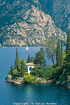Villa near Torbole on Lake Garda, Trentino, Italy (by Katja Kreder)    ᘡղbᘠ
