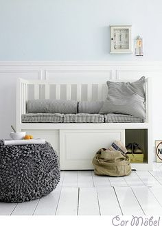 Bench it--seating with storage. Flur Design, Hall Design, Design Hall Entrada, Crib Bench, Bench Cushions, Ottoman Bench, Daybed, Sweet Home, Home Decoracion