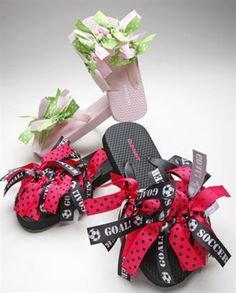 it: Ribbon flip flops So cute for between cheerleading competitionsSo cute for between cheerleading competitions Cheerleading Gifts, Cheer Gifts, Cheer Bows, Cheerleading Chants, Camp Gifts, Cheerleader Girls, Ribbon Flip Flops, Dance Team Gifts, Spirit Gifts