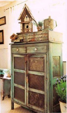 Old Prim Pie Safe.and needfuls. I just bought a pie safe like this in oak. Prim Decor, Country Decor, Rustic Decor, Farmhouse Decor, Primitive Decor, Country Homes, Primitive Bedroom, Primitive Antiques, Vintage Farmhouse