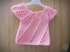 Fabulous Crochet a Little Black Crochet Dress Ideas. Georgeous Crochet a Little Black Crochet Dress Ideas. Diy Crafts Knitting, Diy Crafts Crochet, Baby Vest, Baby Cardigan, Gilet Crochet, Knit Crochet, Baby Knitting Patterns, Crochet Patterns, Pull Bebe