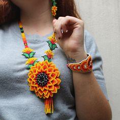 Bead Jewellery, Beaded Jewelry, Handmade Necklaces, Handmade Jewelry, Crochet Necklace, Beaded Necklace, Visionary Art, Bead Art, Beaded Flowers