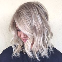 Best Ash Blonde Hair Color Ideas to Inspire You - Hair Tutorials Icy Blonde, Ash Blonde Hair, Ashy Blonde Highlights, Blonde Color, Hair Color And Cut, Dream Hair, Balayage Hair, Short Balayage, Hair Today