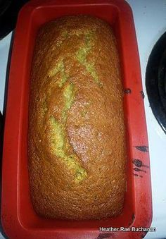 Grandmas Banana Bread - A simple easy recipe and works every time! Amazing how easy and moist it is! This is the best! Bread Recipes, Baking Recipes, Cake Recipes, Dessert Recipes, Top Recipes, Recipies, Delicious Desserts, Yummy Food, Easy Banana Bread