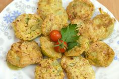 """Vegetable Recipes I'm in love with these Oven-Baked """"Fried"""" Green Tomatoes! Baking instead of frying slashes a bunch of calories while retaining it's amazing flavor. Green Tomato Recipes, Vegetable Recipes, Vegetarian Recipes, Cooking Recipes, Healthy Recipes, Veggie Food, Cooking Tips, Baked Green Tomatoes, Fried Tomatoes"""