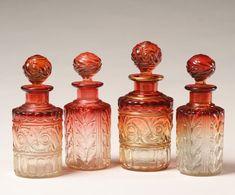Frascos de perfume antiguos Fotos