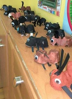 Ant Crafts, Diy And Crafts, Animal Crafts For Kids, Art For Kids, Egg Carton Crafts, Science For Kids, Summer Activities, Ants, Preschool