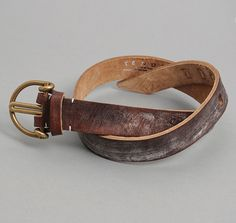 TENDER CO: TYPE 206 WHOLE BUCKLE BELT, BROWN OAK BARK TANNED LEATHER :: HICKOREE'S