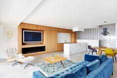 contemporary-triplex-apartment-prague-designed-bright-colours-04