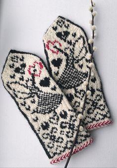 Voor J. maken. Crochet Mittens, Fingerless Mittens, Knitted Gloves, Knit Crochet, Knitting Stitches, Knitting Patterns, Wrist Warmers, Handicraft, Coin Purse