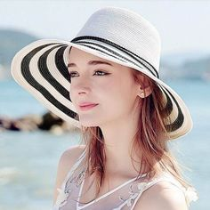 Black and white striped sun hat for women UV foldable wide brim straw hats