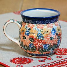 Bubble mug in unikat red pattern, love this idea! Polish pottery