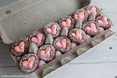 Use an egg carton to package mini treats. Happy Valentines Day, Little Gifts, Eggs, Packaging, Treats, Mini, Food, Sweet Like Candy, Goodies