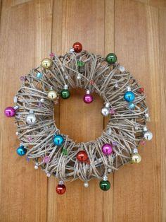 DIY-wreath. Tuunattu ovikranssi. Diy Wreath, Wreaths, Washer Necklace, Earrings, Christmas, Jewelry, Crown Flower, Ear Rings, Xmas