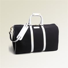 ✈ Black and White Weekender from T. Anthony. We want every single piece of this gorgeous set. ✈