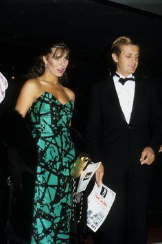 Carolina y Stefano Casiraghi saliendo de un concierto de Frank Sinatra. No cabe más chic en una sola frase.