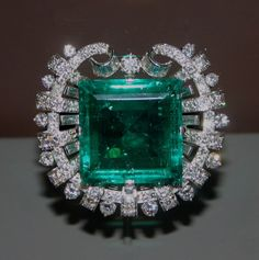 """This brooch was created by Tiffany & Co. in 1950 with an emerald mined in Colombia between the 16th and 17th centuries. """"Hooker Emerald Brooch"""" by dbking is licensed under CC By 2.0"""