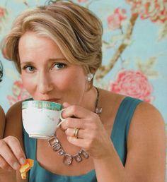Emma Thompson People Drinking Coffee, Drinking Tea, Tea Cup Saucer, Tea Cups, Emma Thompson, Cuppa Tea, Coffee Break, Vintage Photography, Coffee Drinks