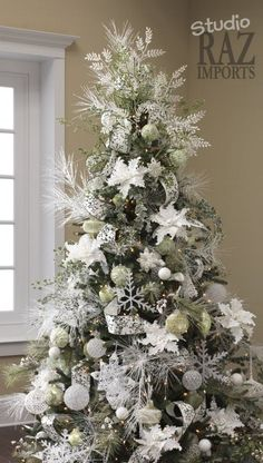 Below are the Christmas Tree Decor Ideas. This article about Christmas Tree Decor Ideas was posted under the category. White Christmas Tree Decorations, Silver Christmas Tree, Christmas Tree Design, Beautiful Christmas Trees, Noel Christmas, Green Christmas, Xmas Trees, Silver Decorations, Office Christmas