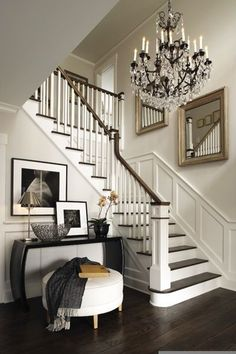 Foyer and staircase, veranda interiors Design Entrée, Design Case, Design Ideas, Urban Design, Foyer Decorating, Interior Decorating, Interior Design, Decorating Ideas, Decor Ideas