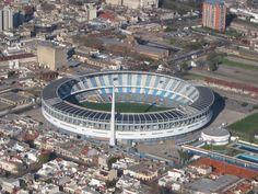 El estadio Presidente Juan Domingo Perón, tiene capacidad para 66000 espectadores. Ubicado en Avellaneda (Argentina) fue inaugurado en 1950 y desde entonces alberga los partidos de local de Racing.