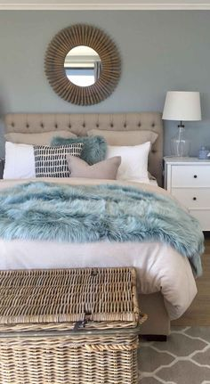 Beach Style Bedroom Ideas - Make your bedroom a relaxing trip with a beach themed bedroom. Check Out 35 Cool Beach Style Bedroom Style Ideas. Coastal Master Bedroom, Beach House Bedroom, Coastal Bedrooms, Home Bedroom, Bedroom Furniture, Beach Inspired Bedroom, Beach Theme Bedrooms, Coastal Bedding, Nautical Bedroom Decor