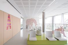 When board members of this maternity and pediatric hospital realized that their sterile, all-white ER needed some cheerful, child-friendly interventions, they organized a compet...
