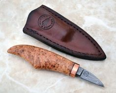 Click this image to show the full-size version. Cool Knives, Knives And Tools, Knives And Swords, Whittling Knife, Whittling Wood, Bushcraft, Restore Wood, Hand Forged Knife, Wood Knife