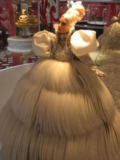 ALALOSHA: VOGUE ENFANTS: Barbie comes to Hong Kong for Christmas, dressed by Guo Pei