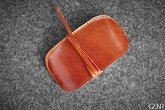 Leather Apple Magic Mouse Case Hand-made Light Brown Leather Hand Wax, Apple Magic, Magic Mouse, How To Make Light, Stitching Leather, Vegetable Tanned Leather, Cow Leather, Color Show, Swatch