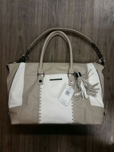 NWT Steve Madden BSOCIAL taupe white gray whip satchel colorblock purse tote #SteveMadden #TotesShoppers