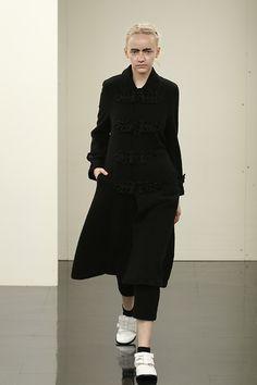 トリコ・コム デ ギャルソン(tricot COMME des GARÇONS)2016-17年秋冬 コレクション Gallery27
