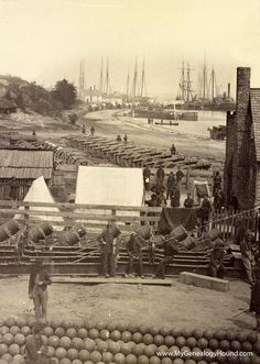 Yorktown VA, May A scene during the Civil War featuring Federal soldiers in the photo. History Online, Us History, American History, Strange History, History Channel, Old Pictures, Old Photos, Vintage Photos, Carolina Do Sul