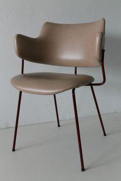 Willem Gispen; Vinyl and Enameled Metal Chair for Kembo, 1950s.