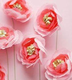 Hermosas flores de papel #rosa #decoracion de pared en fiesta celebracion boda evento cumpleaños modernas alegres decorativas manualidad #Giant pink paper flowers wed quince event  birthday party wall decor DIY craft sweet clever idea inexpensive