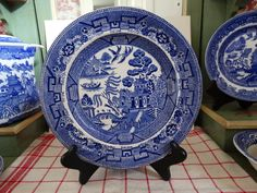 Antique Davenport Classic Blue Willow Transferware Plate. Made in England. by HomecomingDiningRoom on Etsy