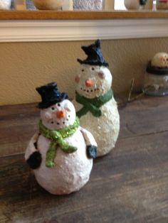 I actually made the larger snowman, paper mâché, my friend made the small one for me.