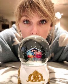 We made real life versions of the snow globe from the Lover video because of course we did. We made real life versions of the snow globe from the Lover video because of course we did. Style Taylor Swift, Taylor Swift Fotos, Long Live Taylor Swift, Taylor Swift Pictures, Taylor Alison Swift, Red Taylor, Taylor Swift Cute, Taylor Swift Wallpaper, Artists